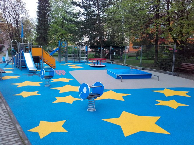 We are finishing a new playground in Ostrava