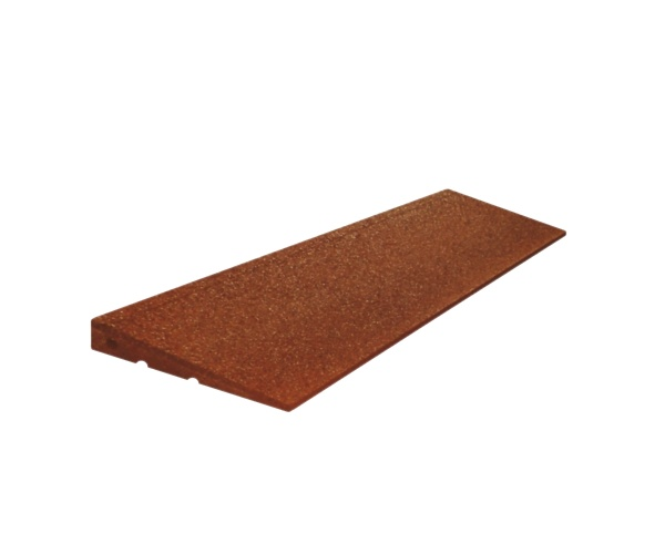 Rubber curbs with bevelled edge